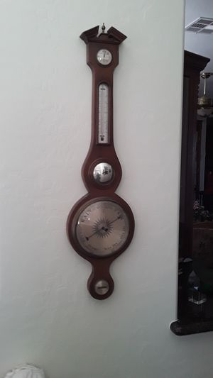 Antique wood weather large for Sale in Las Vegas, NV