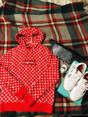 Supreme Hoodie & shoes & funnypack bag SET for Sale in Nederland, TX