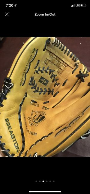 Baseball glove . SHIPPING ONLY for Sale in Cape Coral, FL