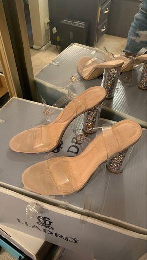 Heels size 10 10$ for Sale in Hemet, CA
