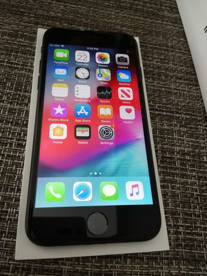 iPhone 7 32GB for AT&T basically new, used for less than a month still under apple warranty! Accessories are brand new still wrapped for Sale in Fort Lauderdale, FL