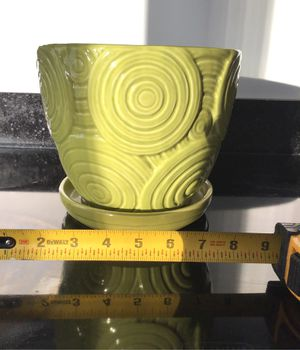 """8"""" Light green wave ceramic plant flower pot w drainage hole for Sale in Cambridge, MA"""