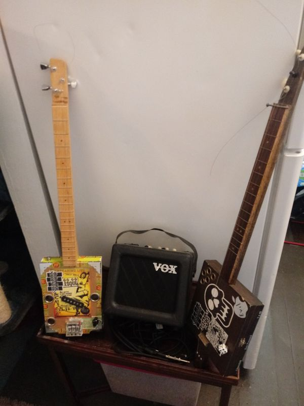 CigarBox Guitars with Amp