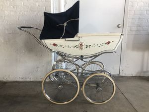Vintage Baby carriage / stroller for Sale in Brooklyn, NY