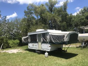 2000 Coleman pop up camper for Sale in Clermont, FL