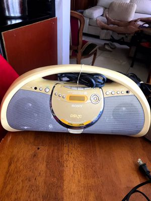 Portable SONY radio CD player electric and batteries 🎶 music for Sale in Sunny Isles Beach, FL