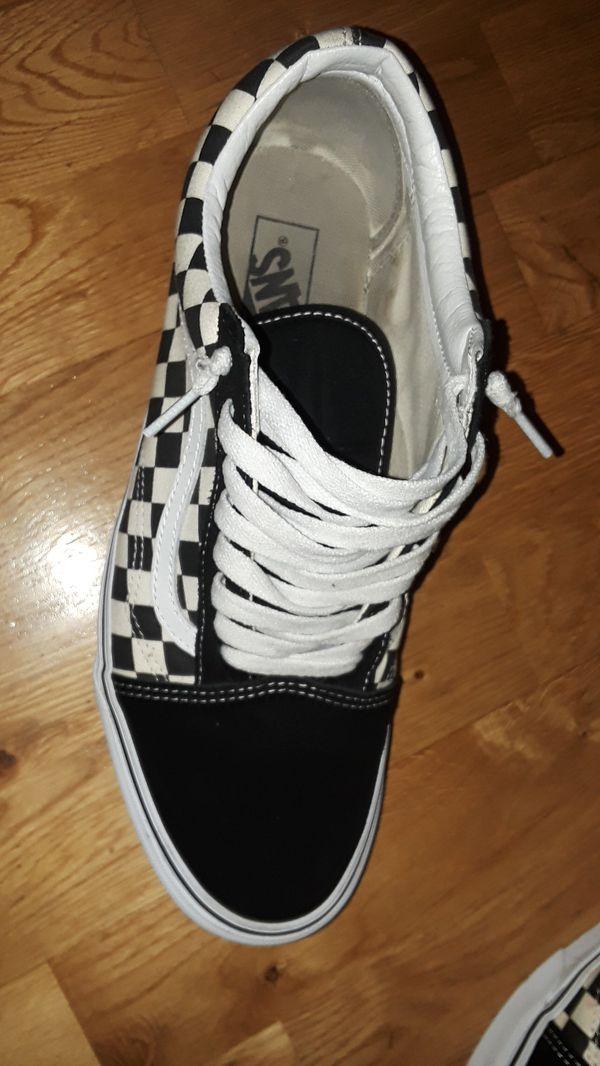 Old skool black checkerboard vans