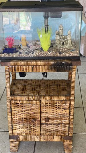 Fish tank 10 Gl. Accesories included for Sale in Hollywood, FL