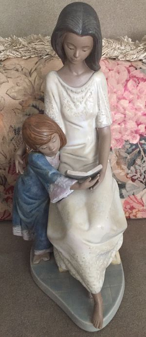 Lladro Bedtime Story Mother And Girl #5457 for Sale in Sunrise, FL