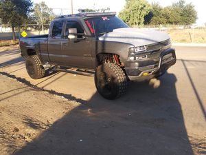 Trade for jeep my 2001 Silverado 4x4 clean title for Sale in Fresno, CA