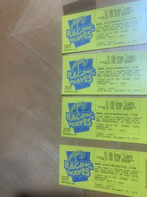 Raging waves tickets for Sale in Melrose Park, IL