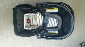 Infant car seat for Sale in Hyattsville, MD