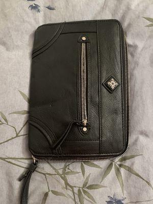 Vera Wang wristlet/wallet/clutch for Sale in San Diego, CA