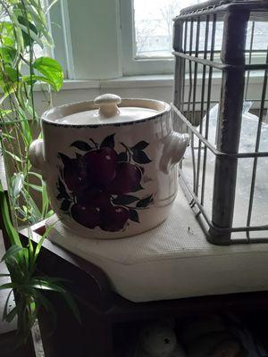Ceramic pot for Sale in Rensselaer, NY