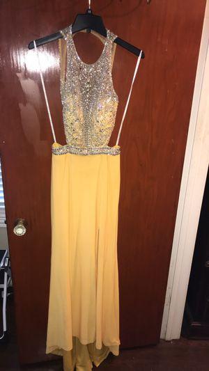 Camille la vie yellow dress for Sale in Houston, TX