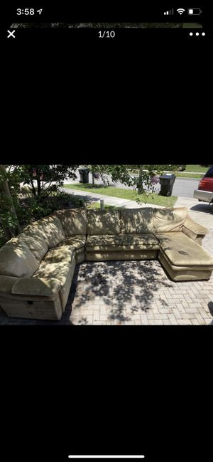 Free Tan/Beige Sectional for Sale in Orlando, FL