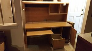 Office desk / Computer desk for Sale in Queens, NY