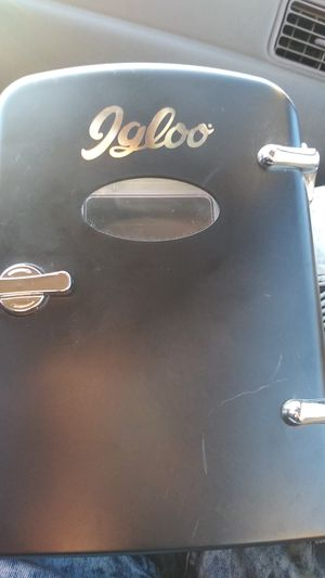 Igloo 6 can refrigerator for Sale in Sacramento, CA