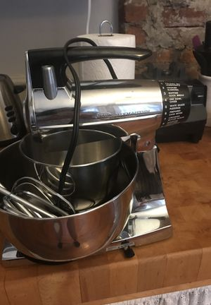 Vintage Sunbeam Mixmaster with 2 Bowls for Sale in San Francisco, CA