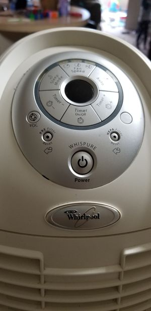 Whispure tower air purifier apt40010r for Sale in Cuyahoga Falls, OH