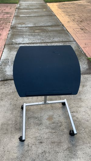 Computer table for Sale in Tallahassee, FL