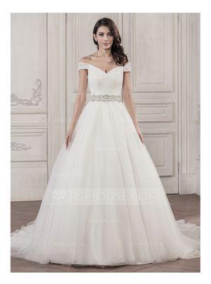 Off shoulder Wedding dress for Sale in Forest Park, IL