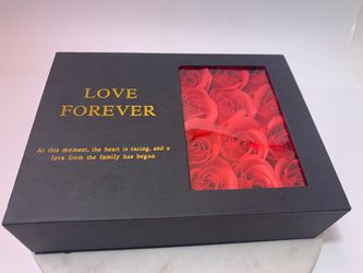 Valentines day gift box with 100 Language Heart Necklace for Sale in Los Angeles,  CA