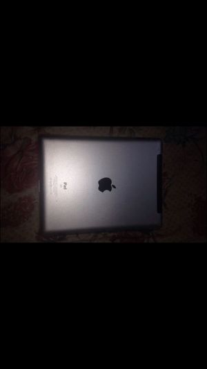 iPad 2nd works perfectly hit me up 16 gb for Sale in Detroit, MI