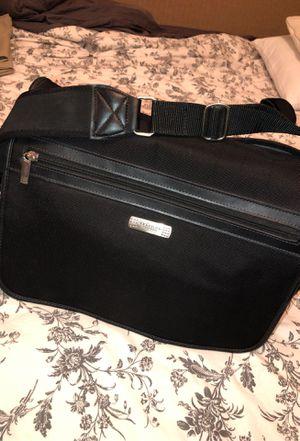 Kenneth Cole Messenger Bag for Sale in Brandon, FL