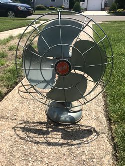 Diehl Oscillating Fan In Working Condition for Sale in Merrick,  NY