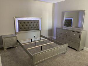 QUEEN BEDROOM SET for Sale in Phoenix, AZ