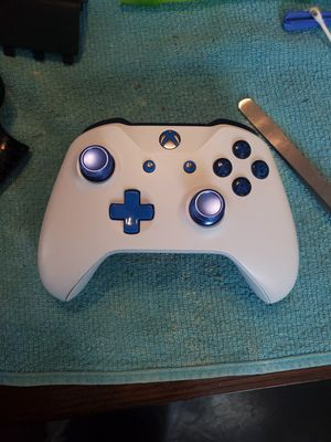 Xbox one x custom controller for Sale in Conklin, NY