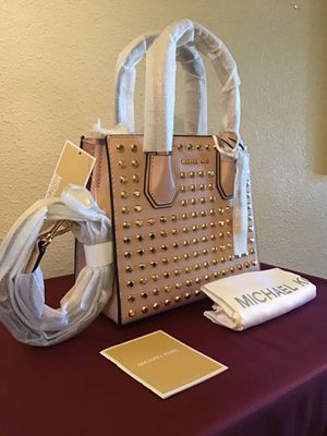 Michael Kors Mercer Stud Ballet Messenger Leather Purse - Bag - MSRP $298 New with Tags for Sale in Whittier, CA