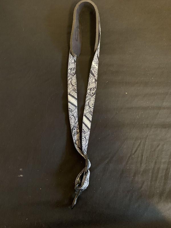 Saxophone neck strap