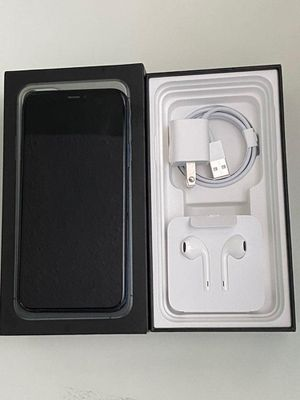 iPhone 11 pro max, unlocked for Sale in Needville, TX