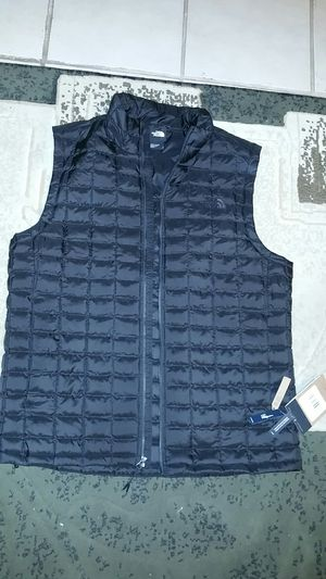 NORTH FACE ECO VEST for Sale in Reedley, CA