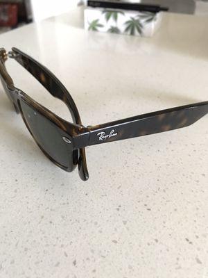 Ray Ban Tortoise Wayfarer Sunglasses for Sale in Chino Hills, CA