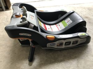 Chicco Keyfit 30 car seat base for Sale in Austin, TX