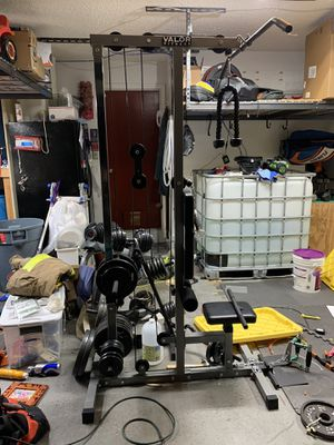 Lat pull down station and more for Sale in Fort Lauderdale, FL