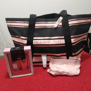 Big Tote , perfume & undies for Sale in Fresno, CA