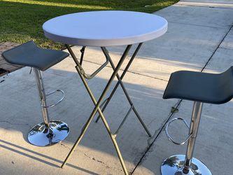 Retro Table for Sale in Cape Coral,  FL