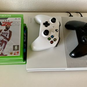 Xbox One S (2019) 1TB Bundle for Sale in Phoenix, AZ