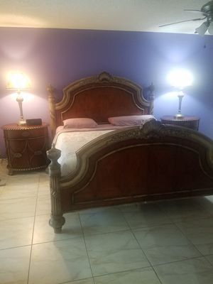 Bedroom Set King size for Sale in Boca Raton, FL