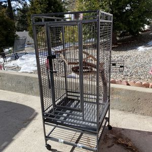 Large Bird Cage. for Sale in Covina, CA