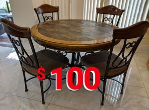 Kitchen dining table with 4 chairs for Sale in Boca Raton, FL