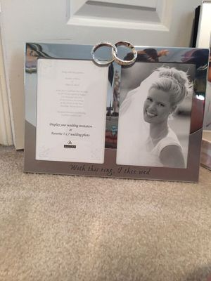 2 opening 5x7 photo frame for Sale in Beltsville, MD