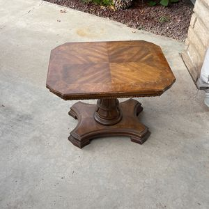 Coffee Or Side Table for Sale in Porterville, CA