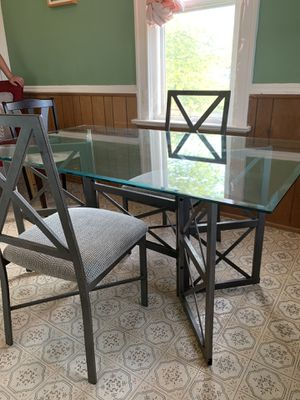 Glass Dining Table w 2 chairs! Very Sturdy!! for Sale in Milwaukee, WI