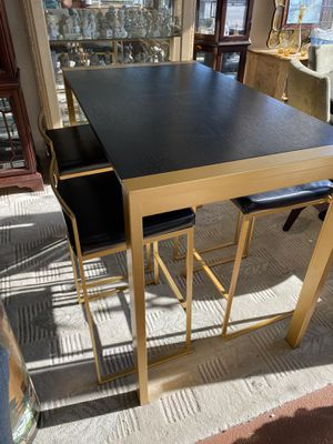 Pub table and 4 stools for Sale in Chicago, IL