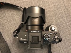 Sony a7R ii with lens, mint condition for Sale in Tacoma, WA